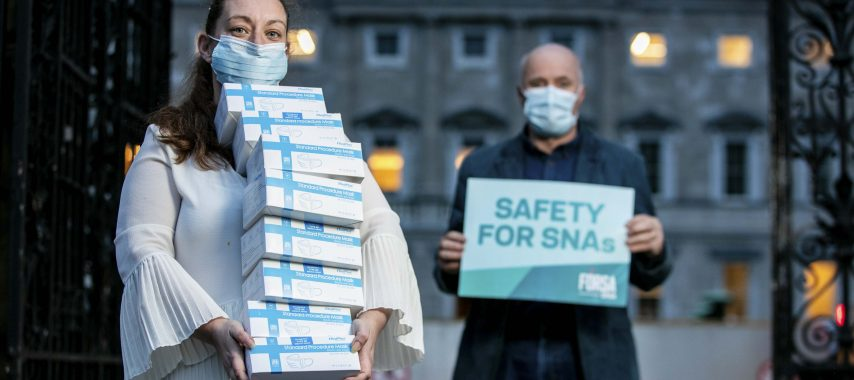 Union distributes facemasks to SNA's