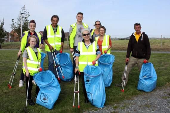 Latest Laois News: Abbeyleix, Durrow & Cullohill communities' very successful litter pick